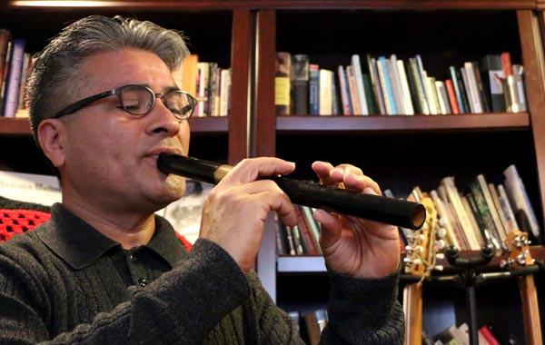 Internationally Renowned Musician Gives Back to Community