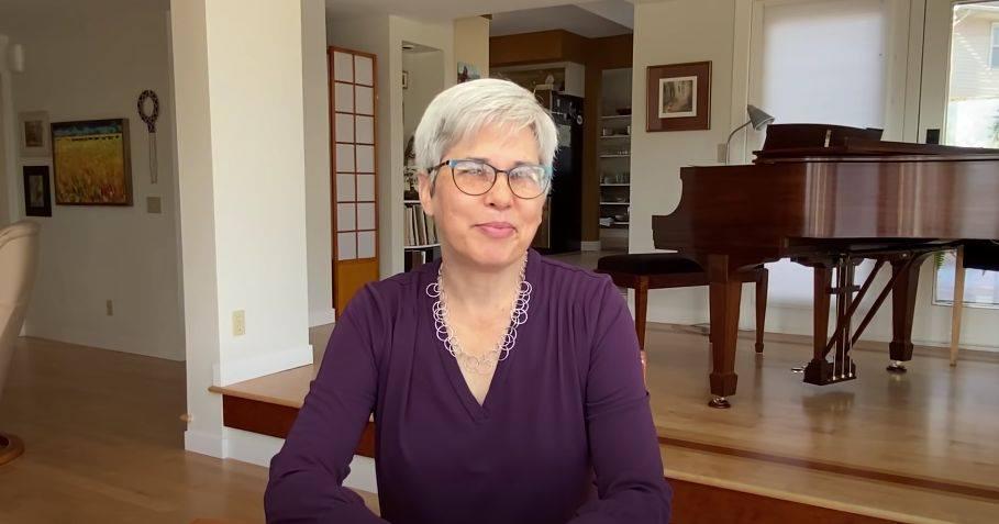 Rebecca Stolzfus • The Good of Goshen